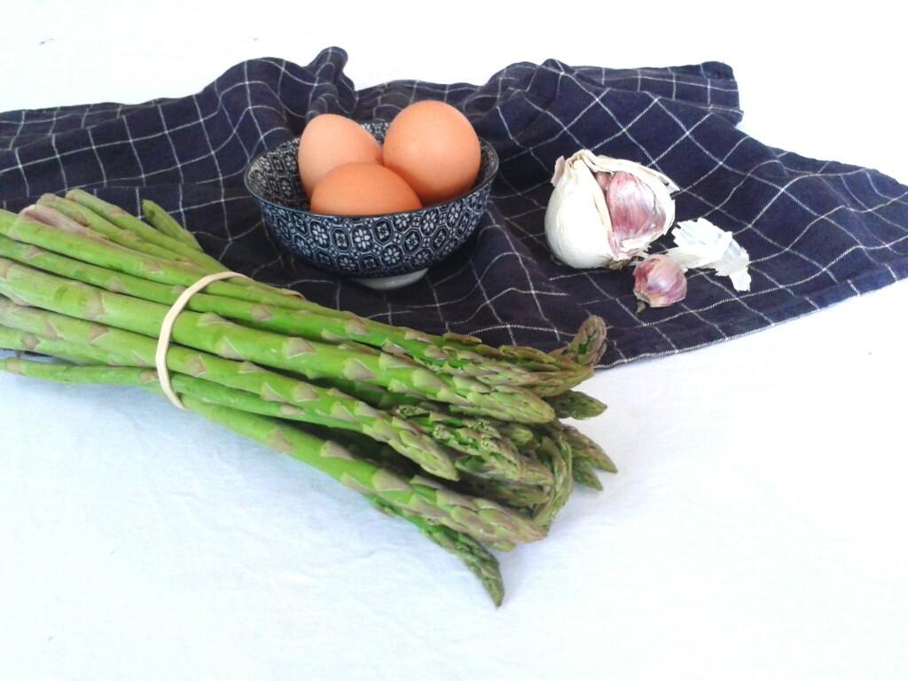 Ingredientes para la tortilla de espárragos